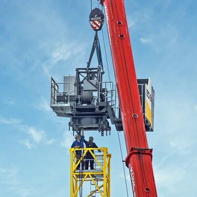 liebherr-flat-top-crane-125ec-b-12.jpg