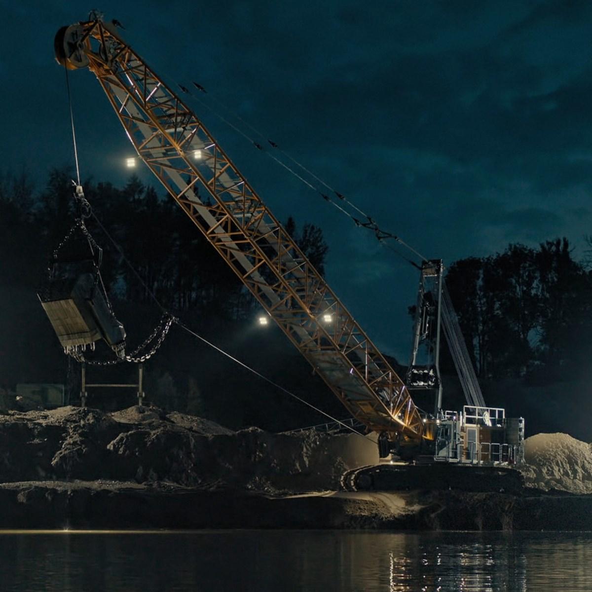 liebherr-hs-8200-seilbagger-duty-cycle-crawler-crane-dragline-schuerfkuebel-3.jpg
