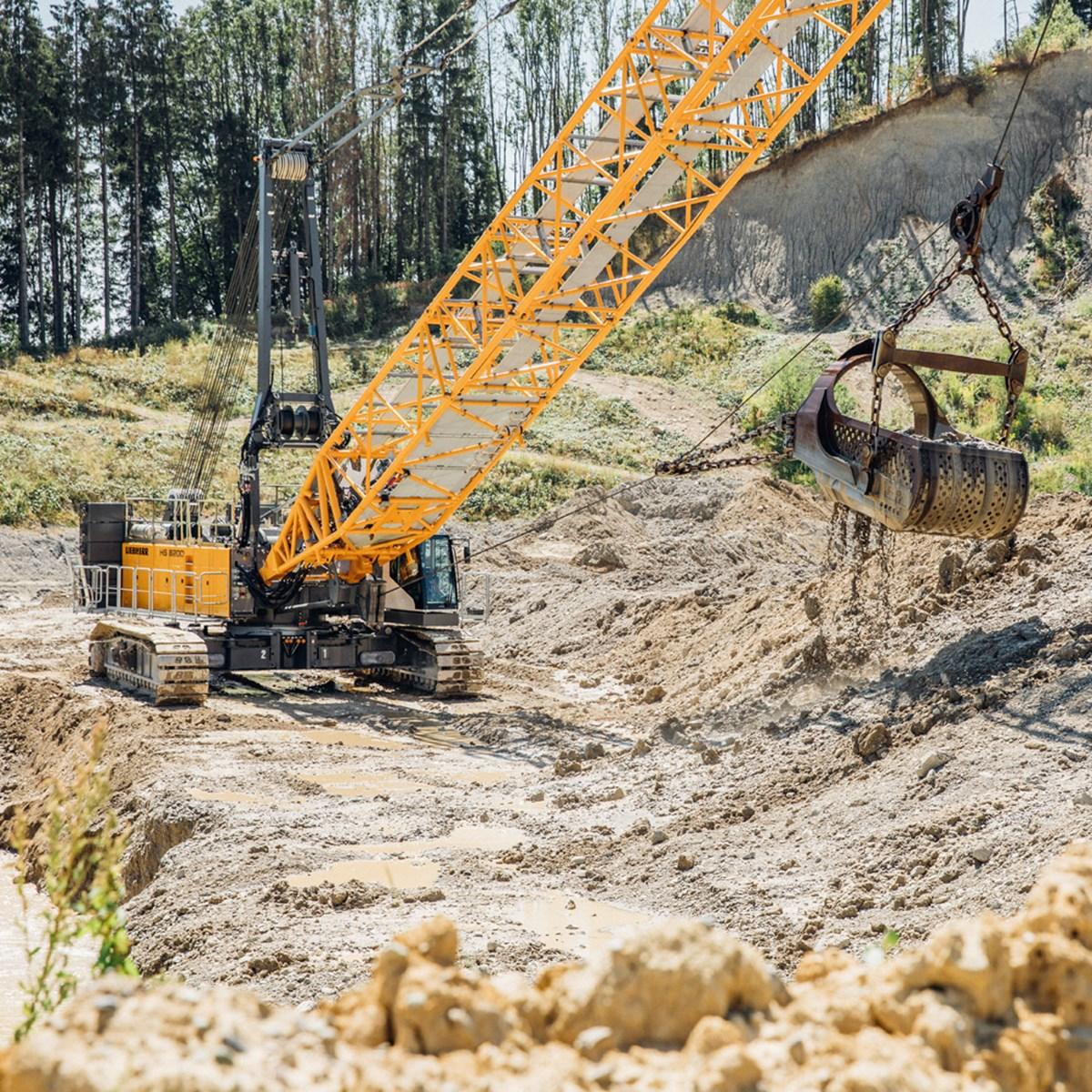 liebherr-hs-8200-seilbagger-duty-cycle-crawler-crane-dragline-schuerfkuebel.jpg