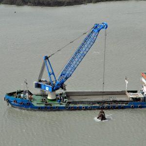 liebherr-hs-895-hd-seilbagger-duty-cycle-crawler-crane-dredging-3.jpg
