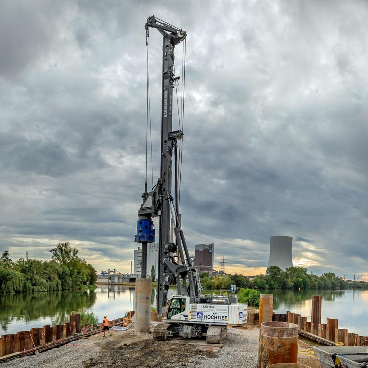 liebherr-lb-45-drilling-rig-kelly-drilling-2-1.jpg