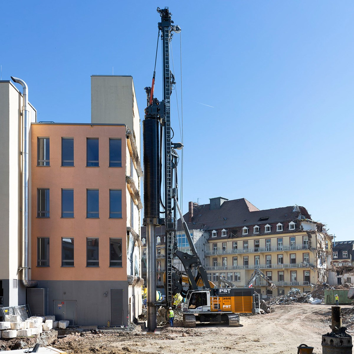 liebherr-lrb-355-piling-and-drilling-rig-double-rotary-drilling-7-1.jpg