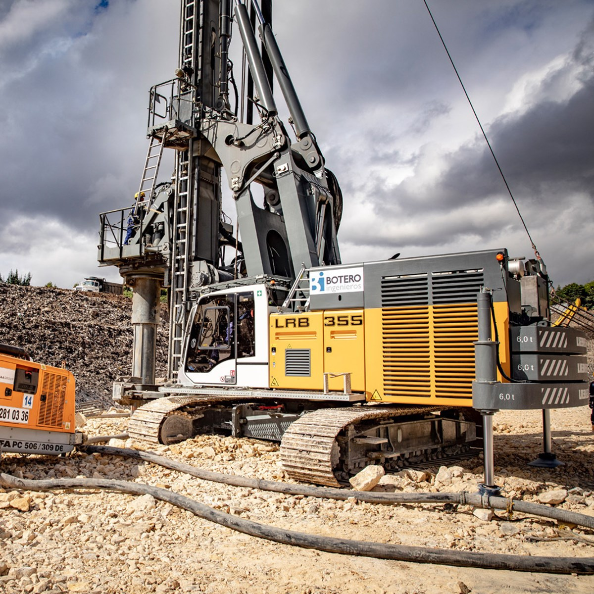 liebherr-lrb-355-piling-and-drilling-rig-full-displacement-columbia-4-1.jpg