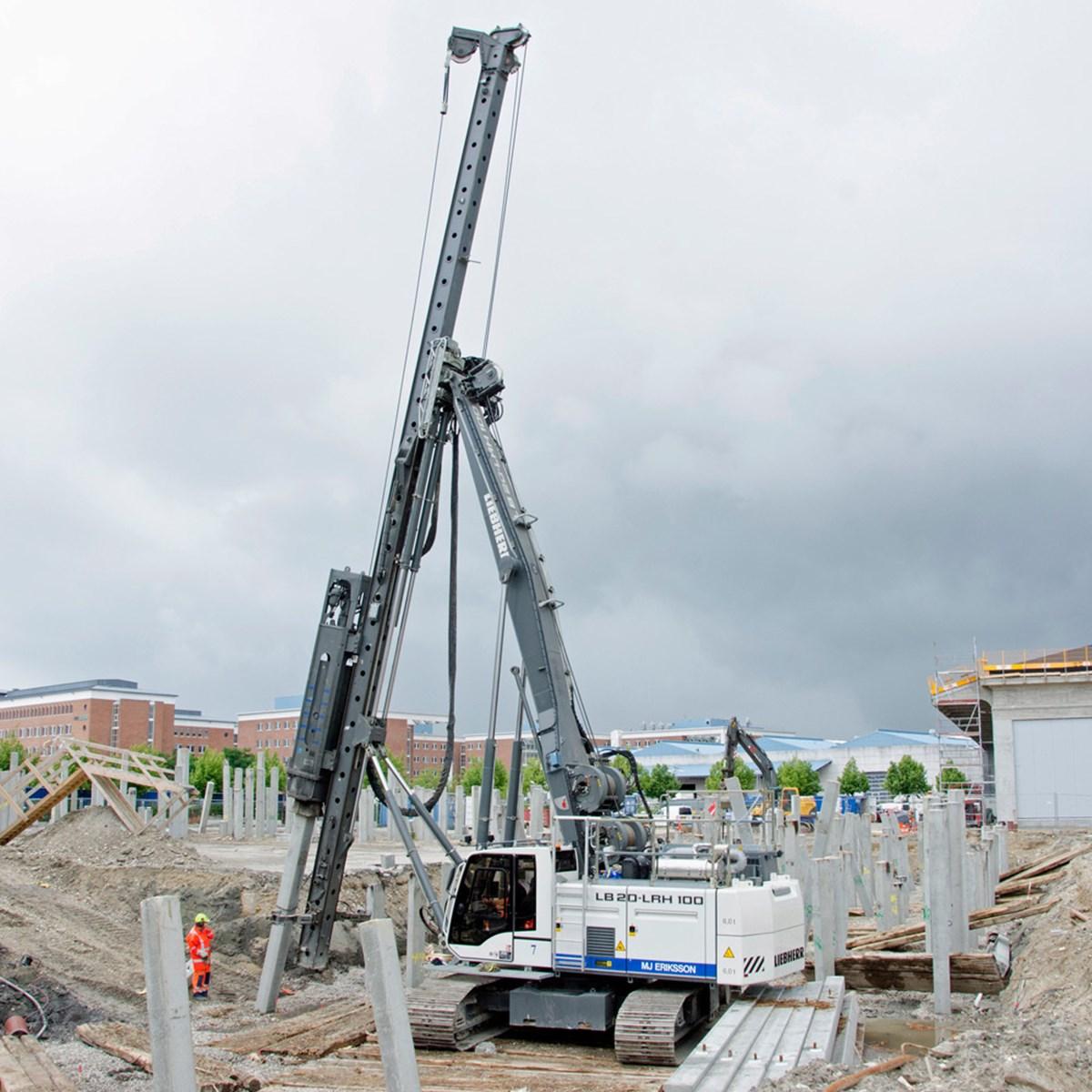 liebherr-lrh-100-rammgerat-ramme-piling-rig-hammer-piles-pfahle-2.jpg
