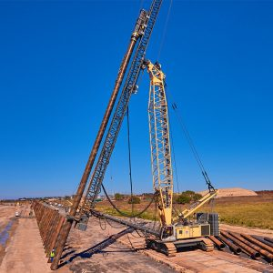 liebherr-lrh-600-piling-rig-with-lattice-boom-leader-and-hammer-h15l-pic2.jpg