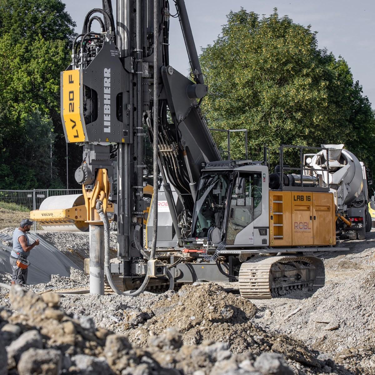 liebherr-piling-rig-lrb-16-deep-foundation-vibrator-sheet-piles-spundwande-r-3.jpg